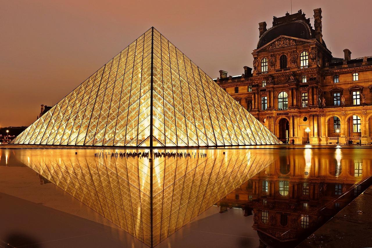 המדריך השלם למוזיאון הלובר בפריז